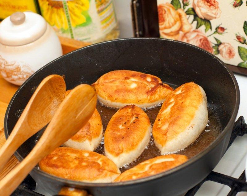 пирожки с сосиской и картошкой