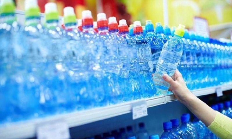 Больше ни капли не выпью! Отказался от воды из пластиковых бутылок, и вот почему