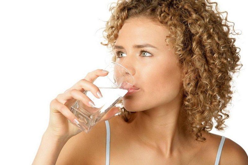 питьевая вода в пластиковых бутылках