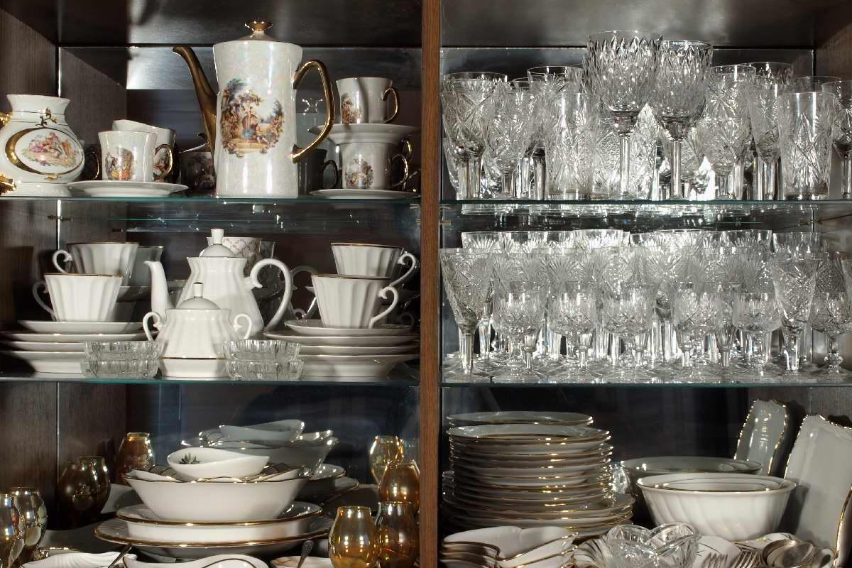 Вещи, которые нужно резко выбросить из маленькой кухни Советы,Дизайн,Интерьер,Кухня,Мебель,Посуда