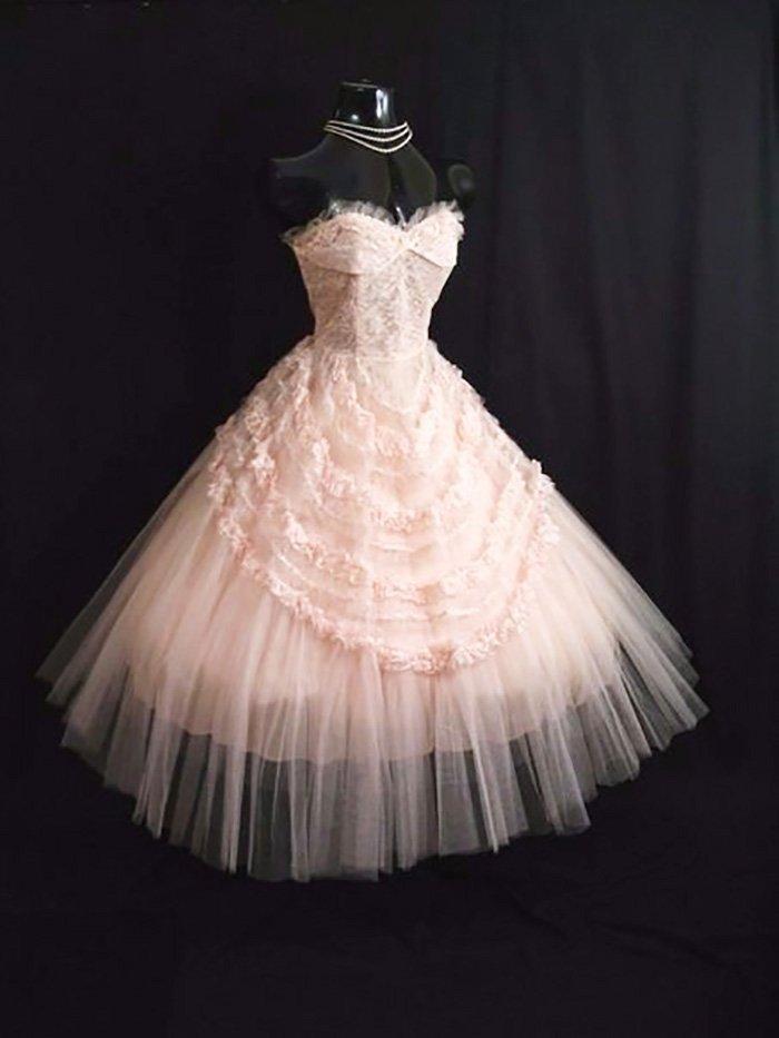 платья с пышной юбкой в стиле ретро