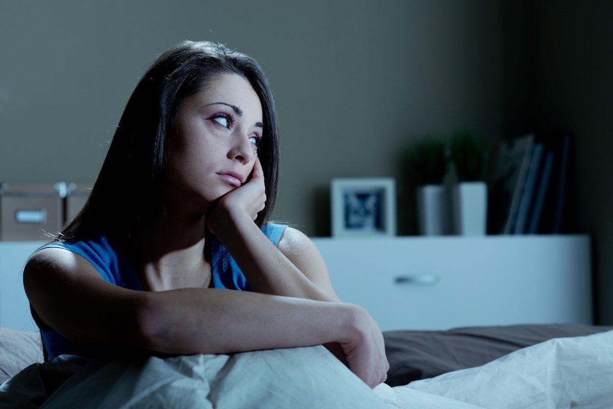 почему человек просыпается ночью