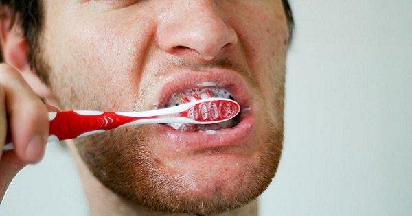 Для тех, кто не любит чистить зубы: неоспоримая польза этой ежедневной процедуры!
