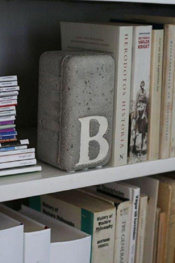 держатель книг