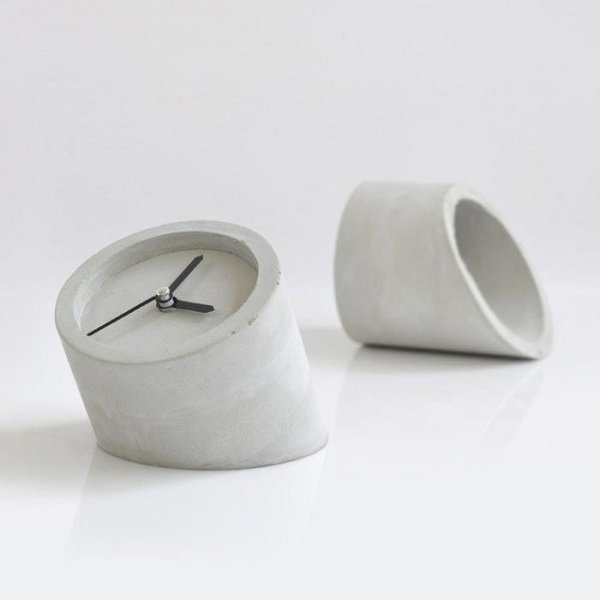 часы из цемента