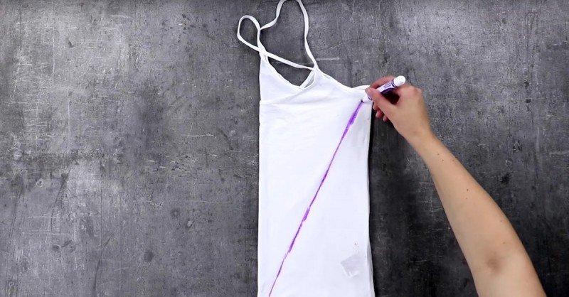 Эта фрау поместила ветхие футболки на решетку духовки по одной непонятной причине&#8230