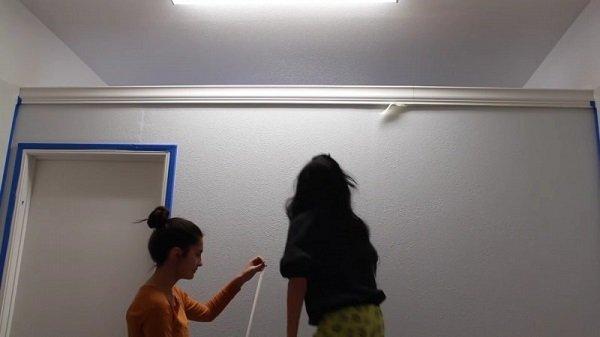 покраска стен в комнате