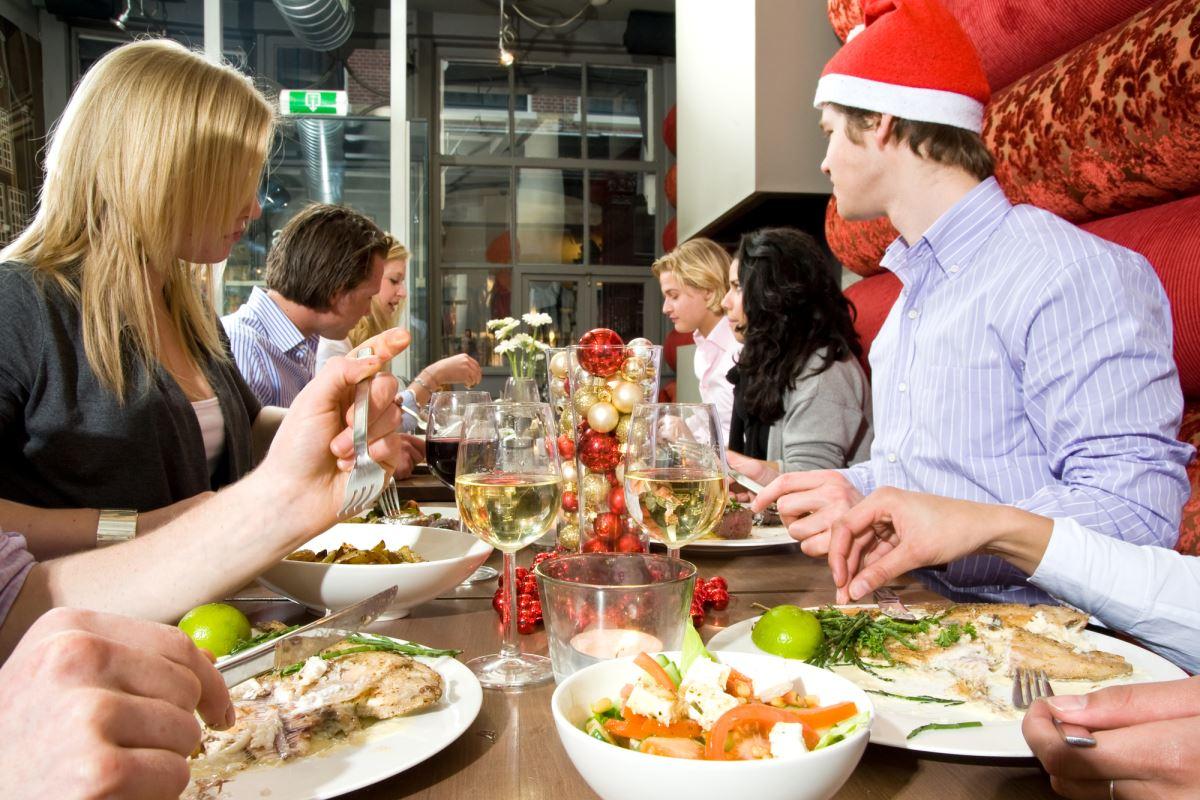 Что сказать мужу, который требует банкет для своих родственников на праздники