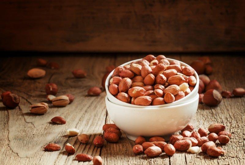 польза арахиса сырого