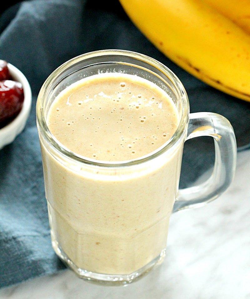 банановый смузи на завтрак