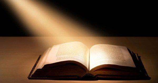 Почему стоит читать? Эти 10 причин убедят тебя немедленно взять в руки книгу.