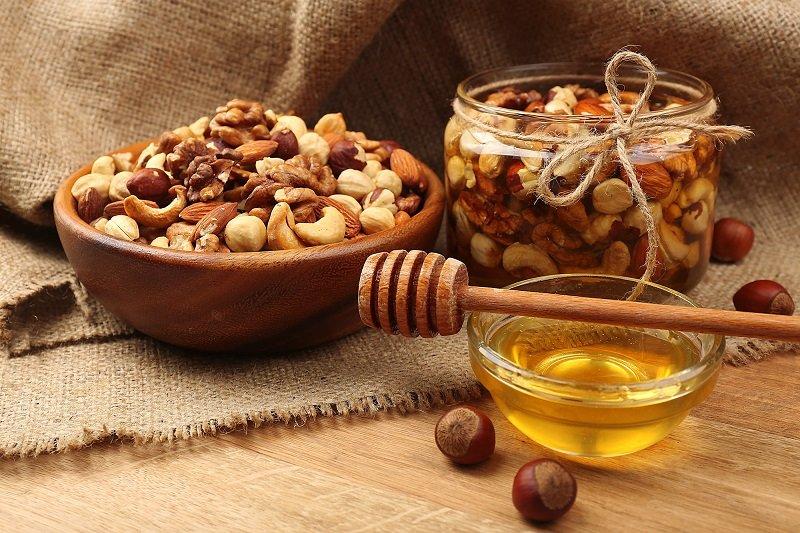 мед и орехи польза