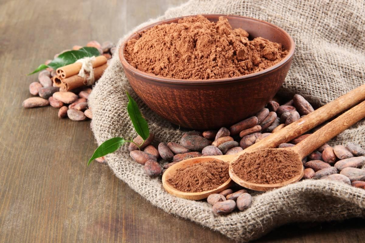 Для чего женщинам солидного возраста на ночь выпивать кружку какао