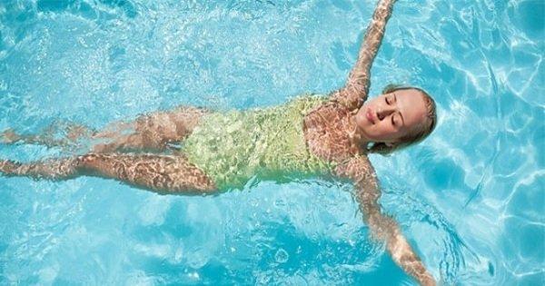 Смываем с себя усталость и стресс в воде. Польза плавания для души.