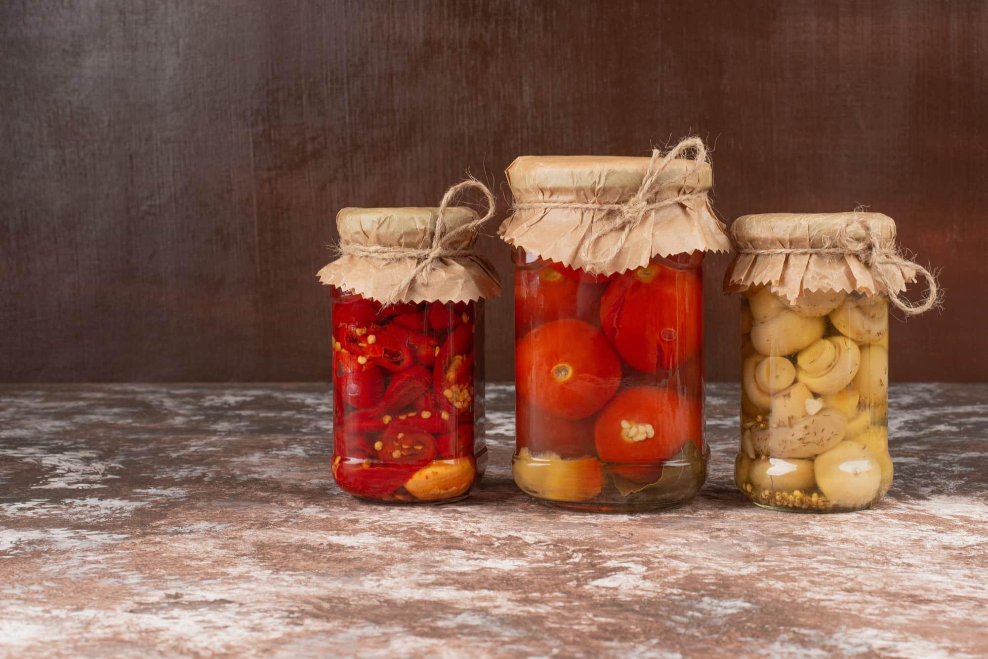 Жена любовника закатывает помидоры правильно, старательная огородница Кулинария,Советы,Дача,Кухня,Овощи,Помидоры,Соленья,Хозяйство