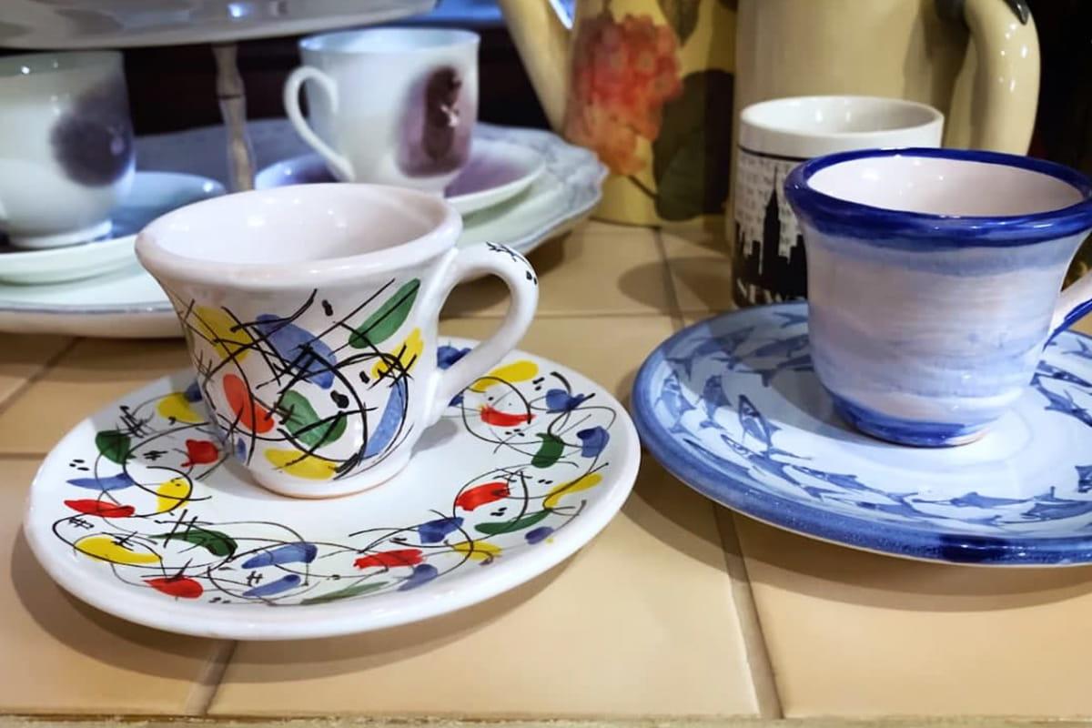 Для чего Юлия Высоцкая скупает посуду на блошиных рынках