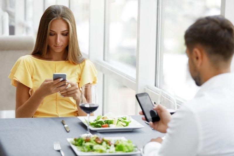 правила поведения за столом и во время еды
