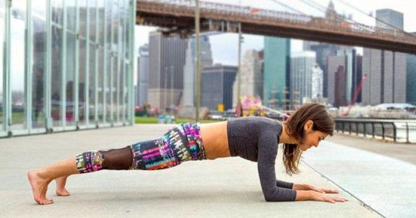 Эти 8 поз йоги — комплексная тренировка для всего тела. Активируй мышцы!