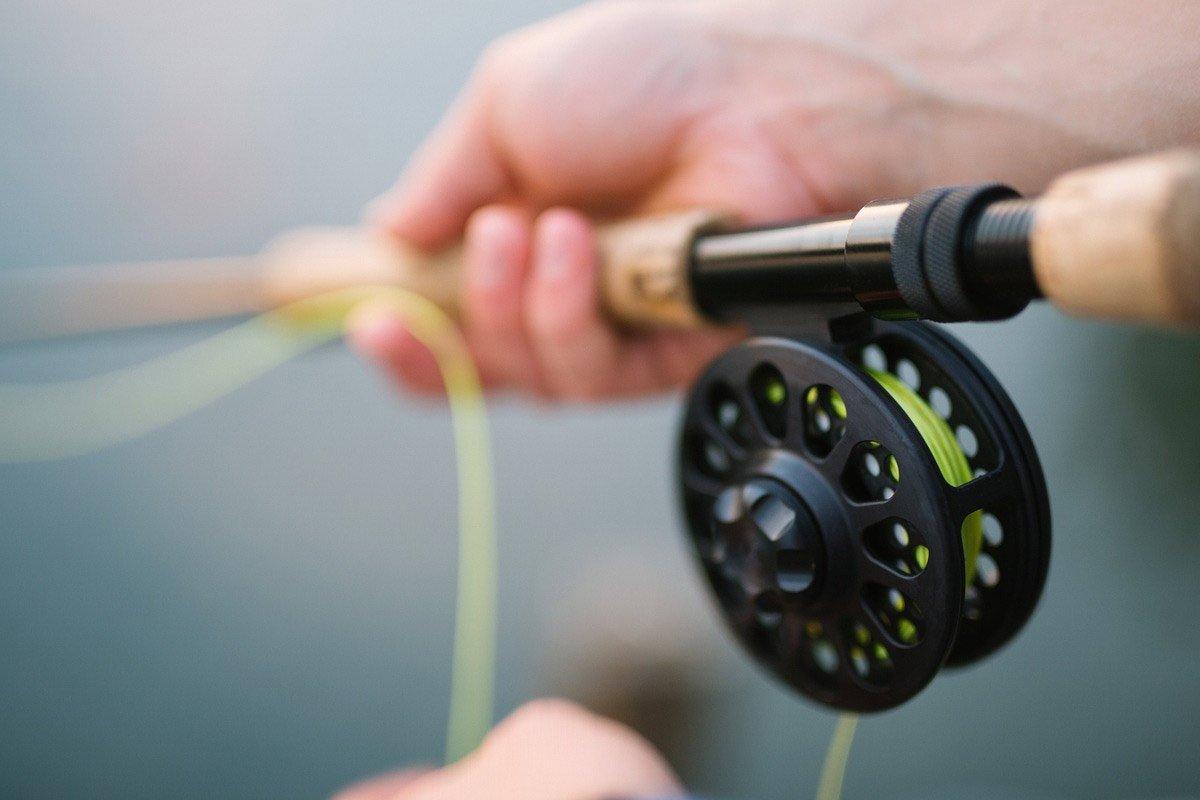 Муж заядлый рыбак, зачастил ловить рыбку, но как-то неугомонная соседка рассказала о нём страшное