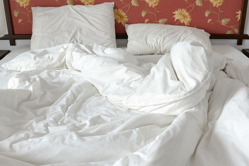 заправлять постель вредно