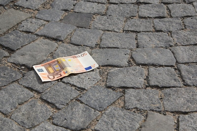 приметы и суеверия к деньгам