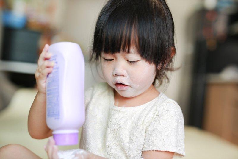 Рискуют дети и мамы: с умом подходим к выбору детской косметики