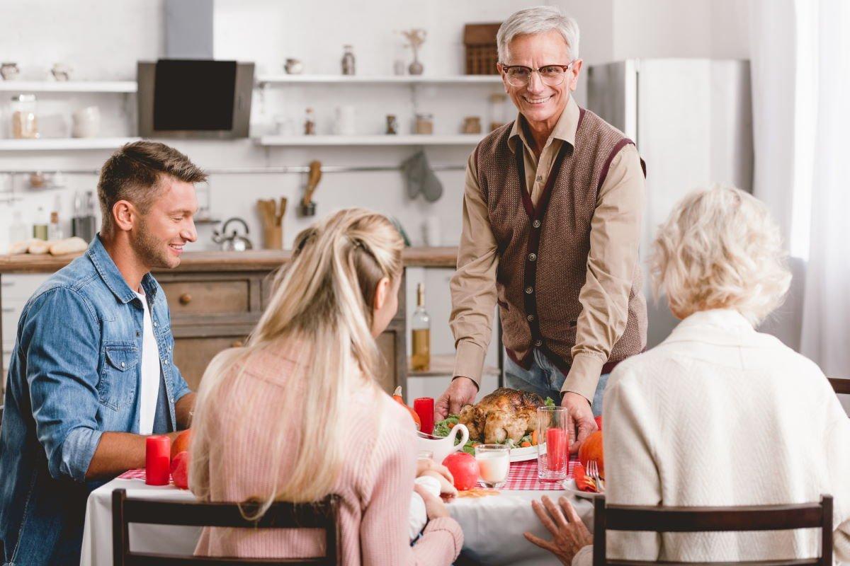 Как возникает проблема помощи родителям и в чём она заключается