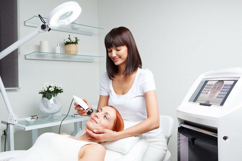 салонные процедуры для лица