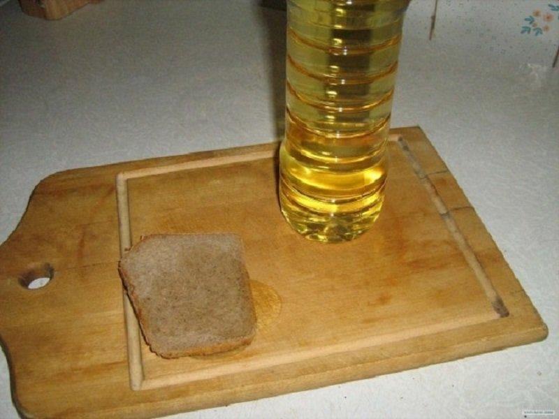 хлеб и растительное масло