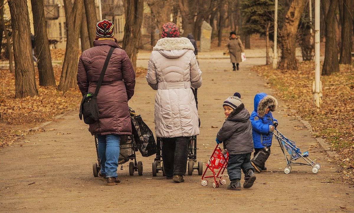 Почему синоптики огорчают прогнозом погоды на грядущую осень ожидается, осень, осадков, Украине, погоды, октябре, температура, будет, градуса, гдето, августа, меньше, образом, похолодания, достаточно, дождей, первых, Украины, заморозки, относительное