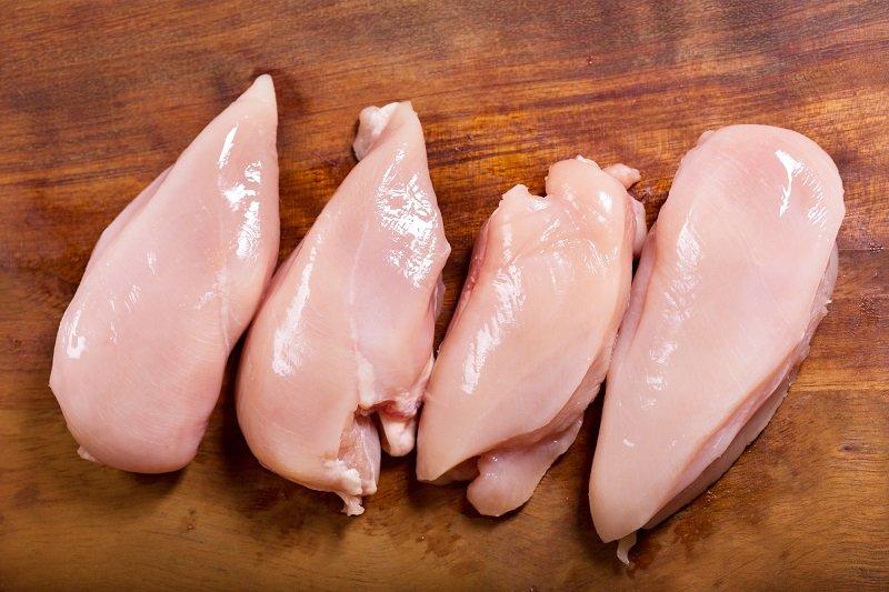 вкусный салат из свеклы и курицы
