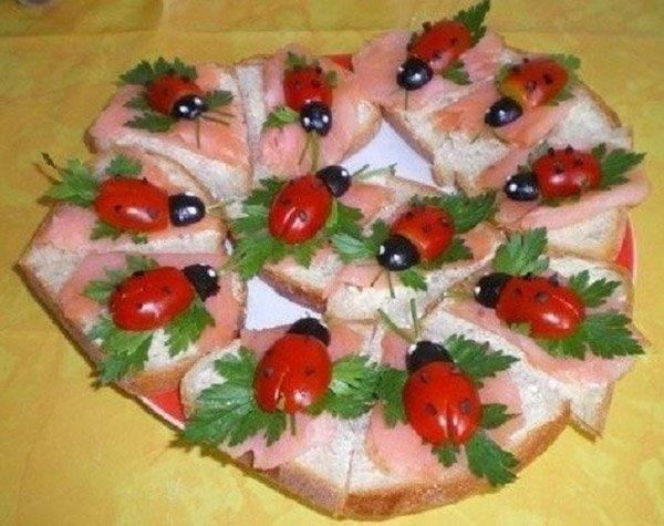 как украсить бутерброды со шпротами
