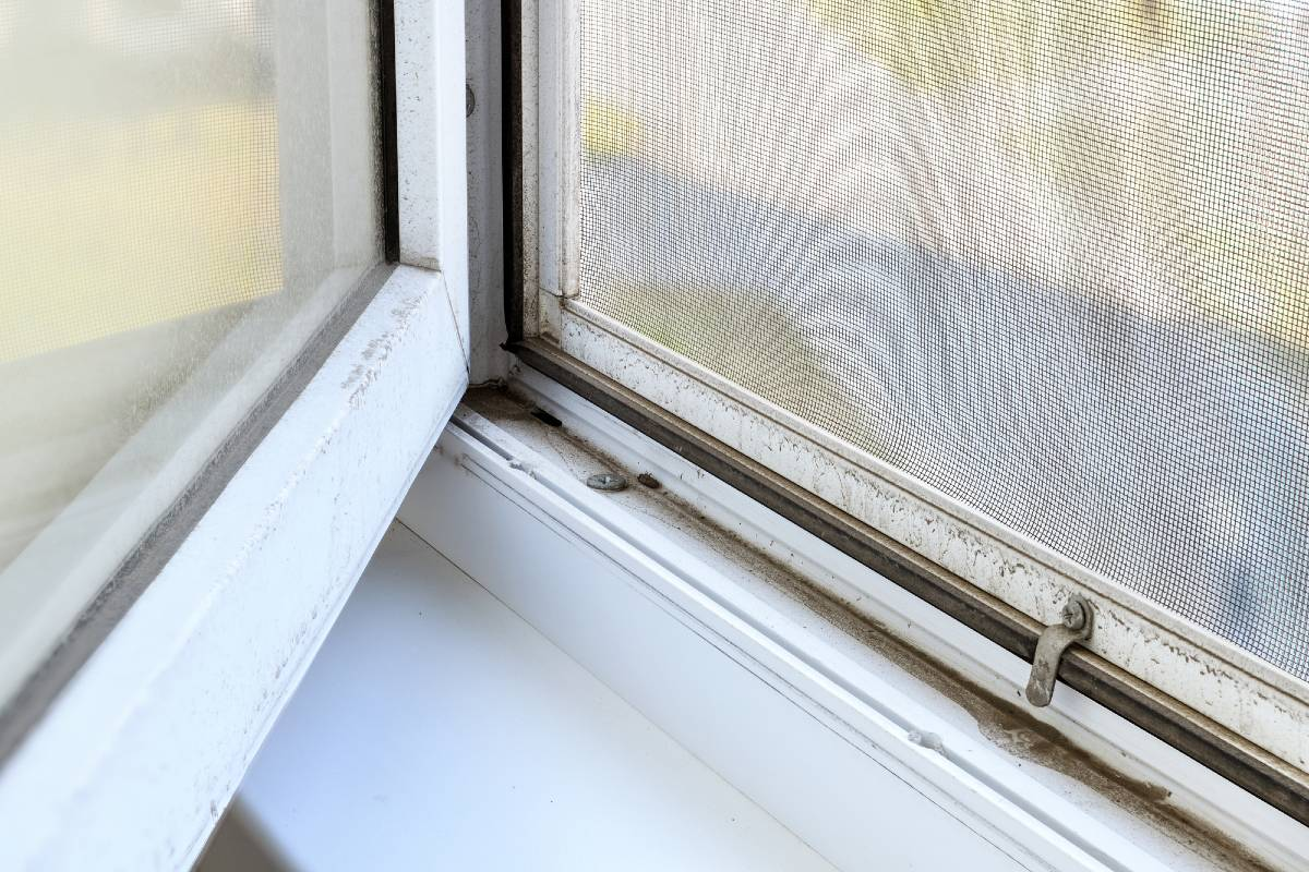 Что изменить, чтобы в доме не оседала пыль на мебели и зеркалах