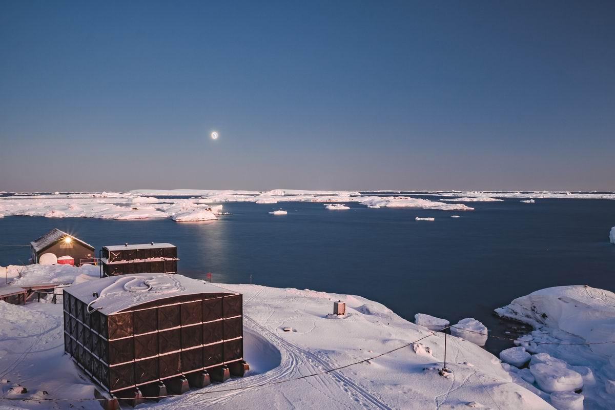 Как отправить супруга с техническим образованием работать в Антарктиду
