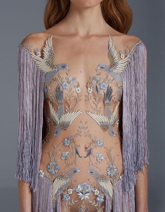 платья с вышивкой ручной работы