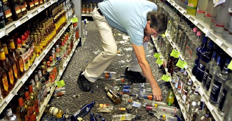 кто должен оплачивать разбитый товар в магазине