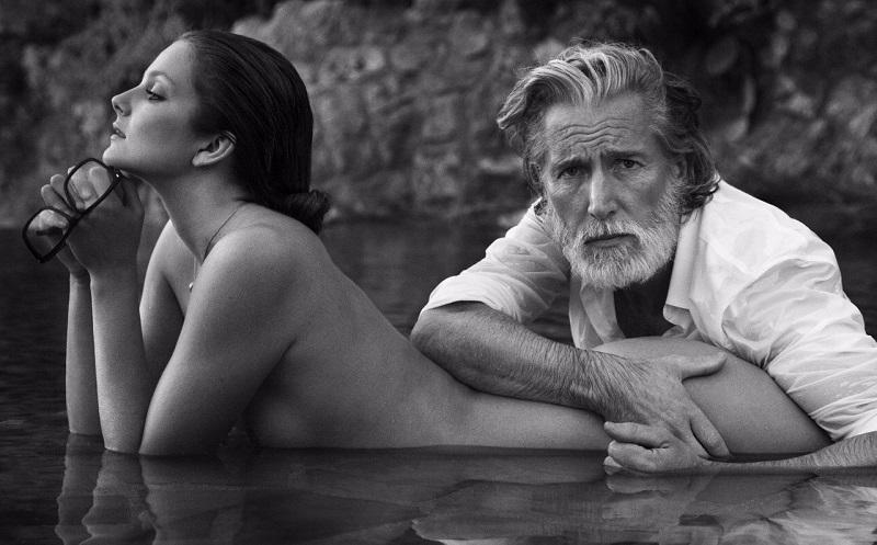 Анджелиной джоли зрелая дама встречается с молодым любовником на стороне видео