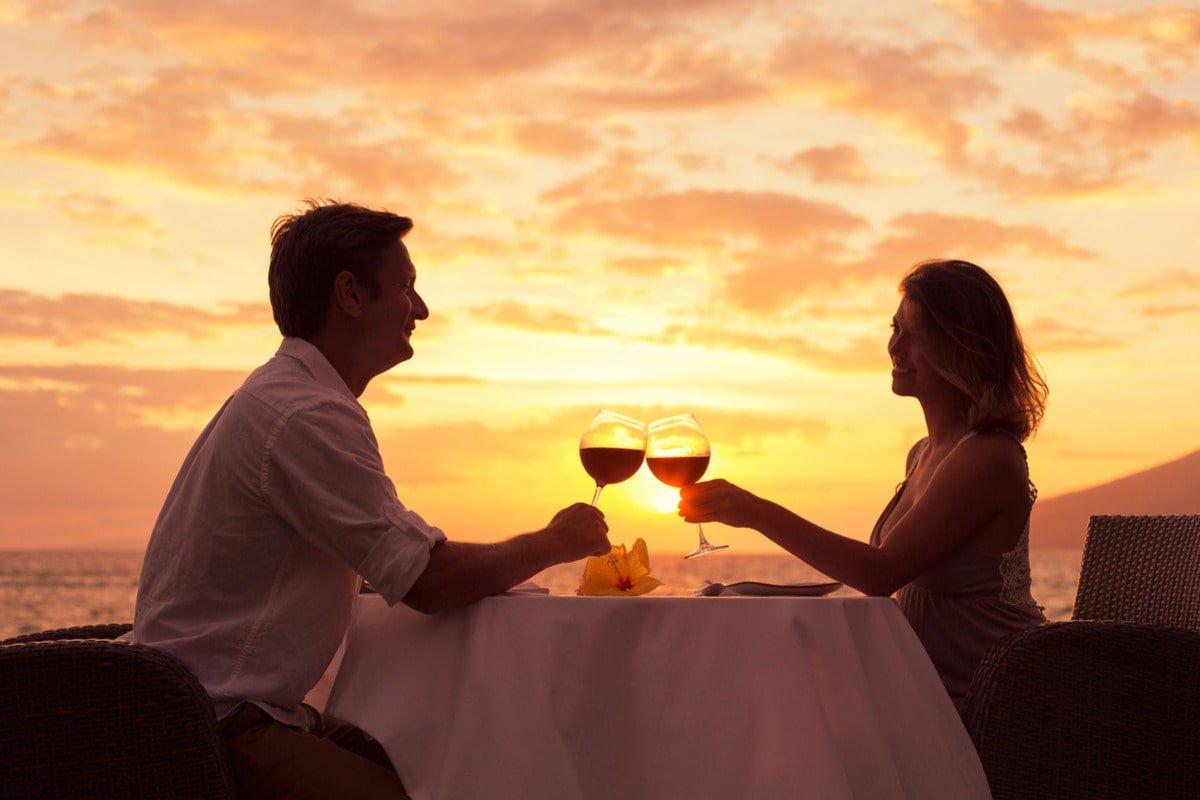 Почему харизматичные герои-любовники никогда не угощают ужином