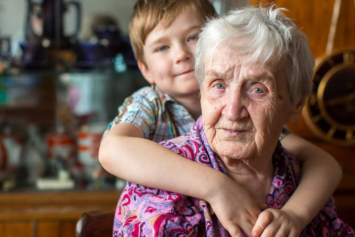 ребенок живет с бабушкой в другом городе