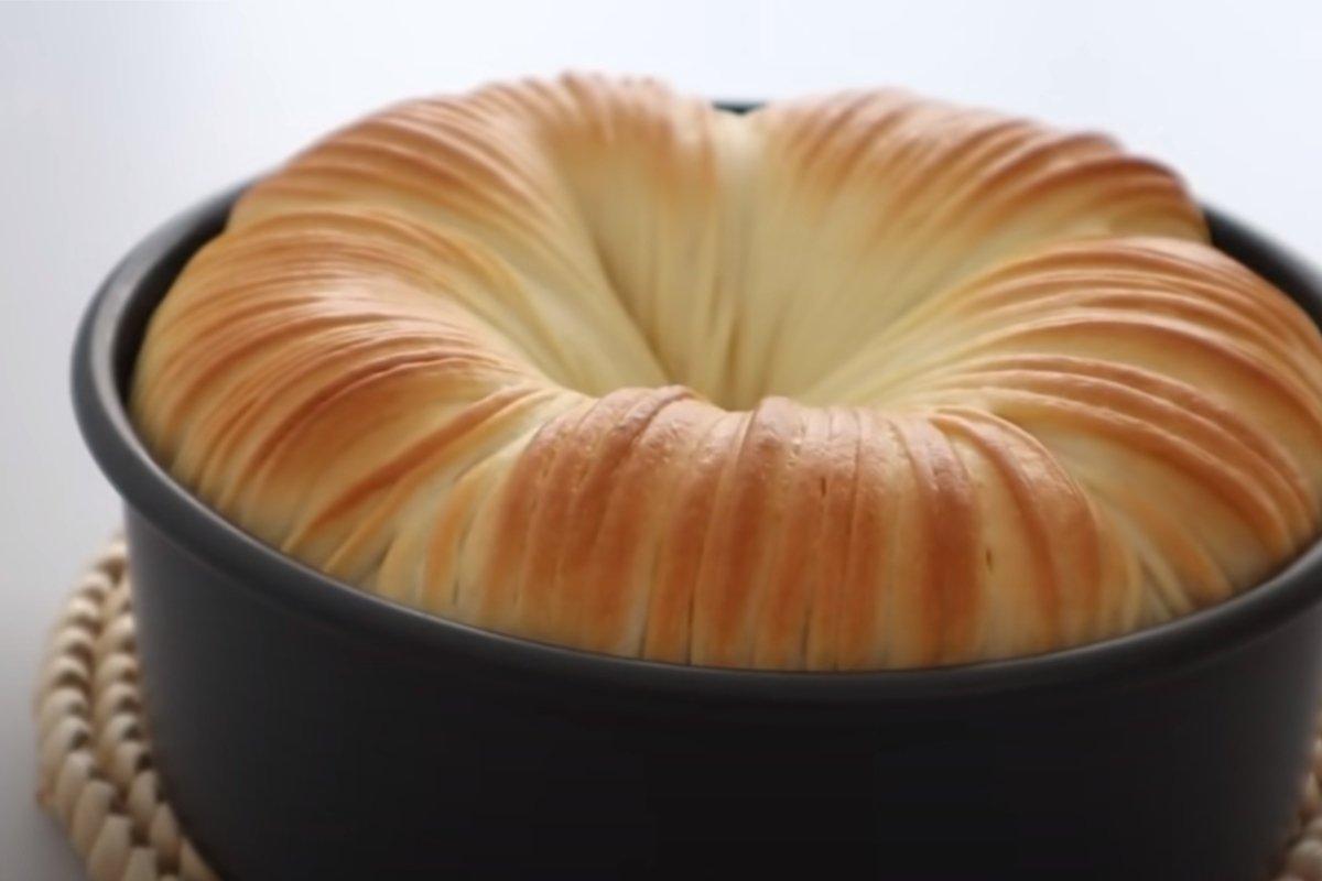 Подруга из Мурманска научила печь воздушный хлеб, что напоминает моток шерсти