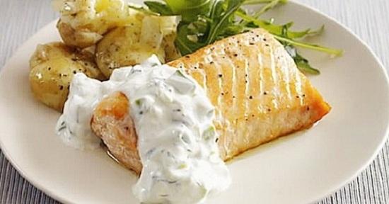 лосось под соусом
