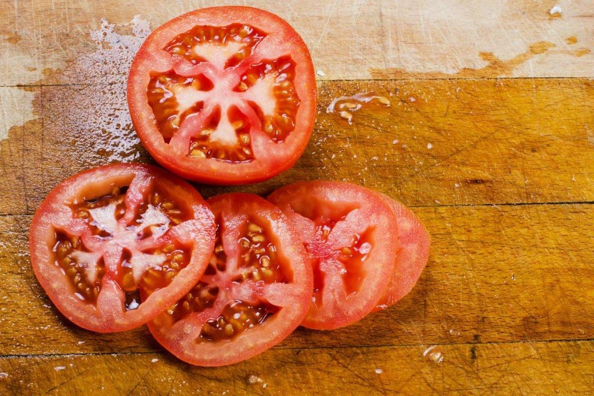 как приготовить отбивные с сыром и помидором