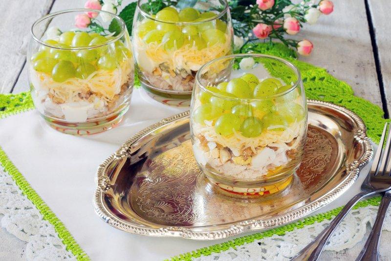 рецепт салата с ананасами и сыром