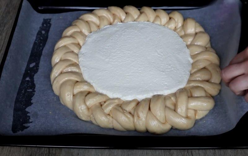 сдобный пирог с творогом