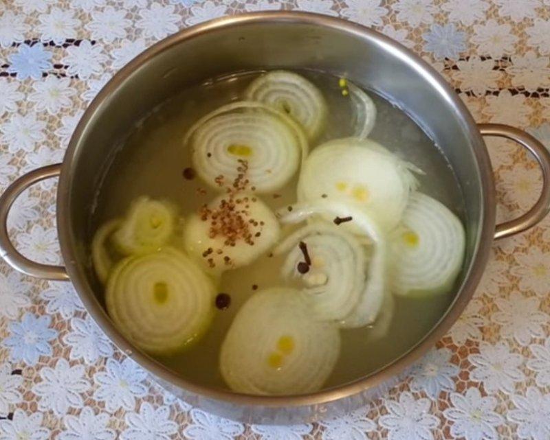 рецепт скумбрии в луковой шелухе с фото