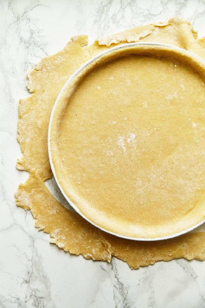 пирог с вишней и орехами