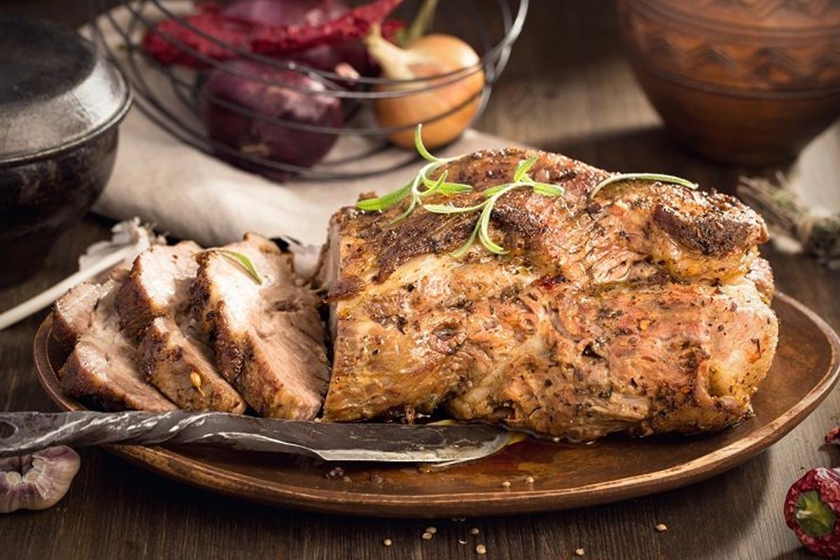 запеченное мясо в духовке с картошкой