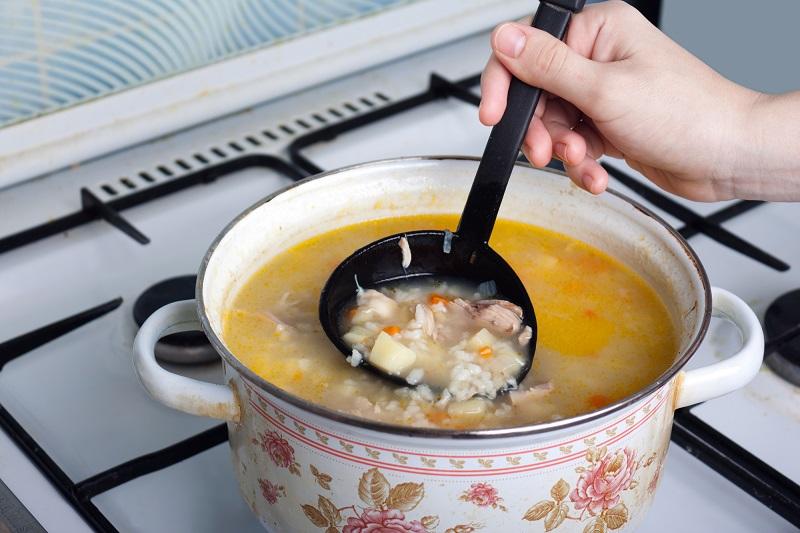суп на плите
