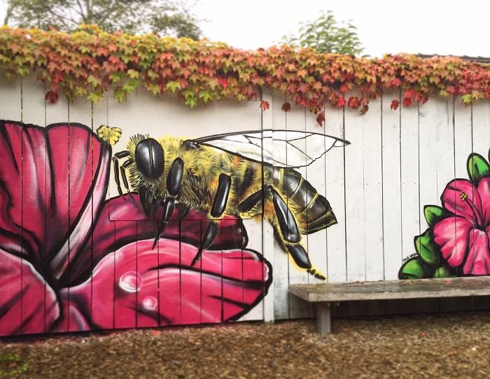 рисунки на заборе на даче