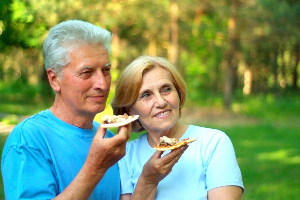 Доказанная истина, что муж любит жену так, как он относится к своей матери